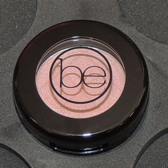 beauticontrol Other - Beauticontrol color impact eyeshadow - Silk